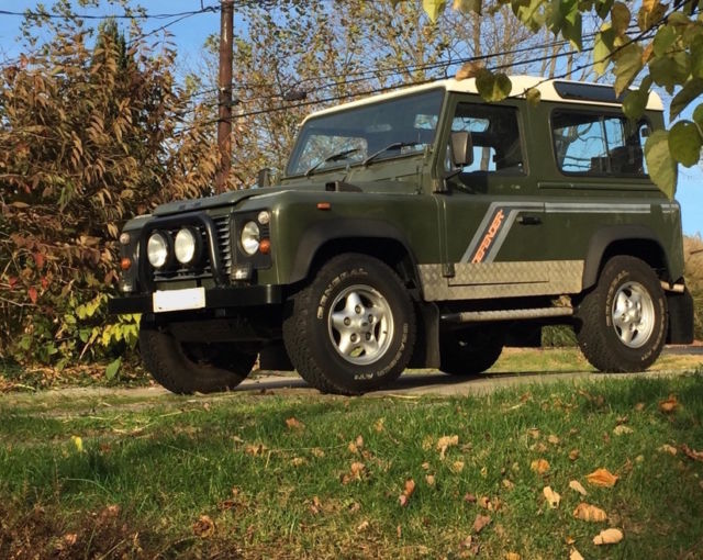 1990 Land Rover Defender D90