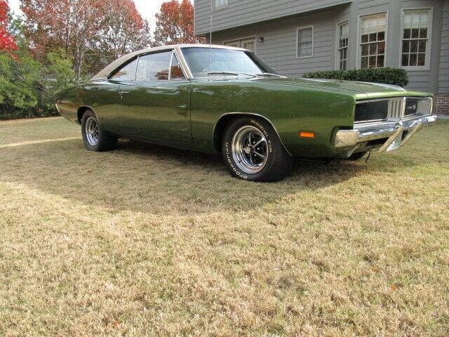 1969 Dodge Charger RT / SE Track Pac