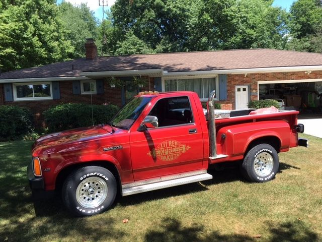 1990 Dodge Dakota Lil Red Express