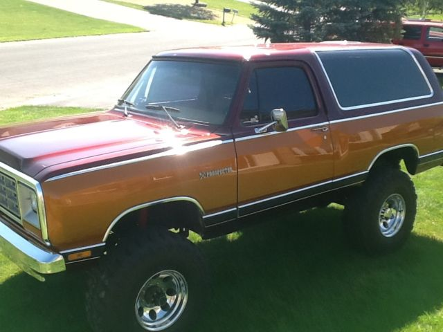 1985 Dodge Ramcharger Prosector