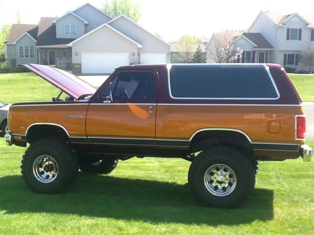 dodge ramcharger prosector 1985 power wagon for sale photos technical specifications description. Black Bedroom Furniture Sets. Home Design Ideas