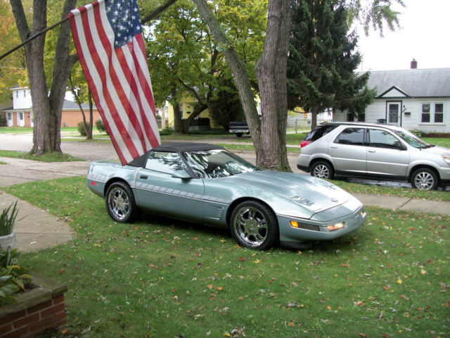 1990 Chevrolet Corvette Base Convertible 2-Door