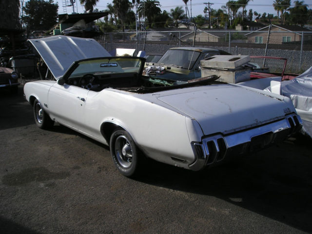 1970 Oldsmobile Cutlass Cutlass supreme convertable
