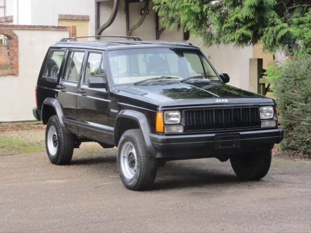 FACTORY RIGHT HAND DRIVE RHD   POSTAL JEEP CHEROKEE   1 OWNER FROM NEW!