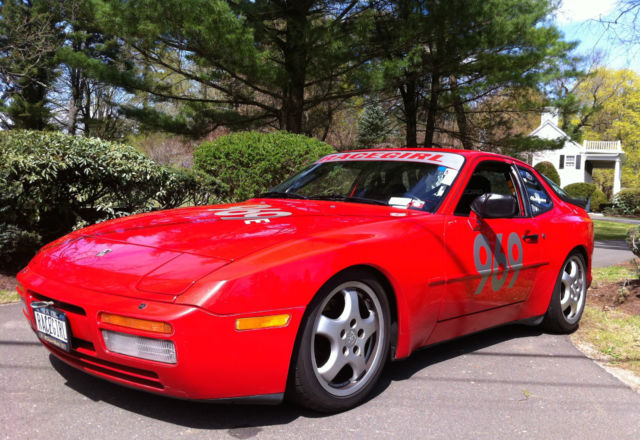 Fast 1986 Porsche 944 Turbo Coupe 2 Door 2 5l Guards Red Many Extra S For Sale Photos Technical Specifications Description
