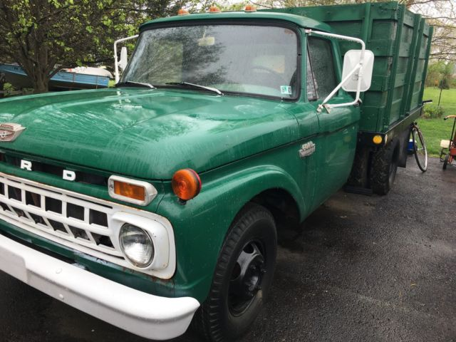 1965 Ford F-350 Dump Truck, two door, hydraulic bed