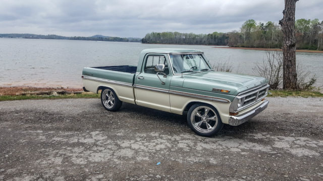 Ford F100 Short Wheel Base 351w Two Tone Lowered 20 Inch