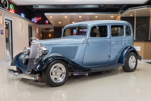 1934 Ford Sedan Fordor Street Rod