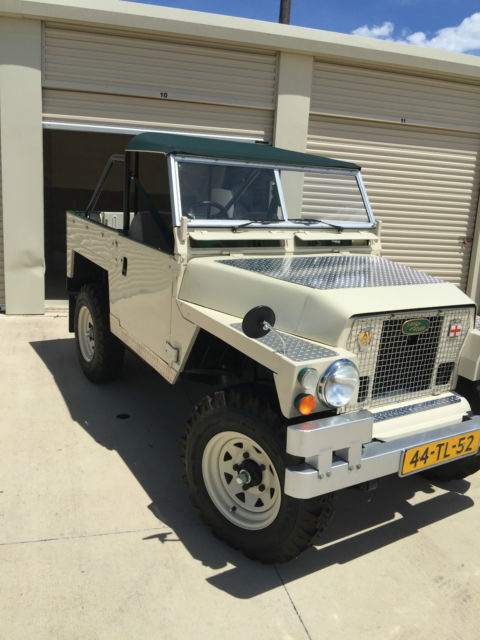 1974 Land Rover Lightweight Series III Jeep Lightweight Series III