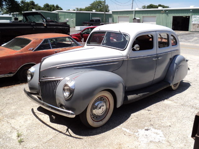 1939 Ford DELUXE SEDAN PRIVATE PARTY-MOSTLY ORIGINAL-ROOMY-FUN TO DRIVE!