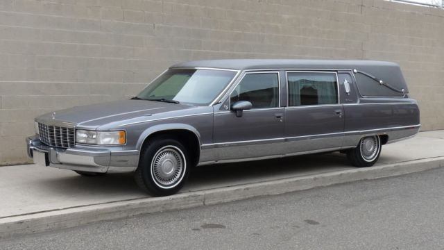 Gorgeous 1994 Cadillac Fleetwood Funeral Hearse. 77,981 miles ..limo limousine