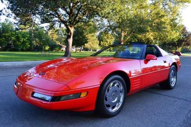 1993 Chevrolet Corvette 2 DR COUPE