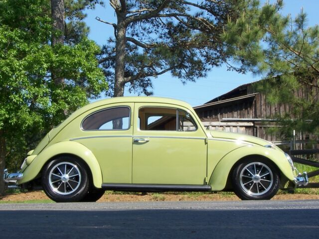 1960 Mango Green Volkswagen Beetle - Classic Coupe with Mango/Tan interior