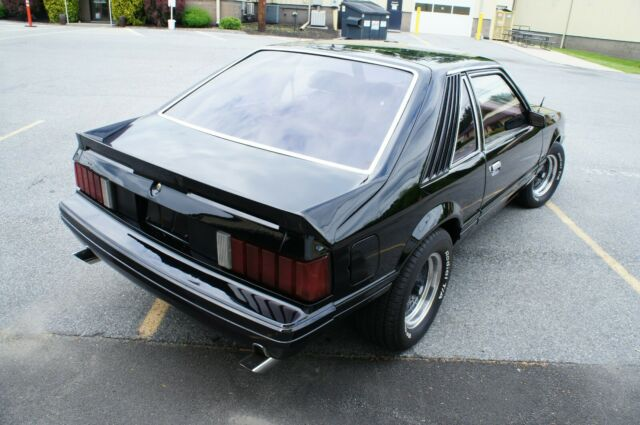 1980 BLACK Ford Mustang LX HATCHBACK 2DR HATCHBACK with Red interior