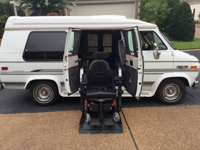 1994 Chevrolet Express Handicap Van & Wheelchair