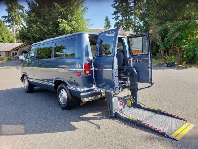 Handicap Accessible Van 1989 Dodge Ram Electric Lift Disability Equipped