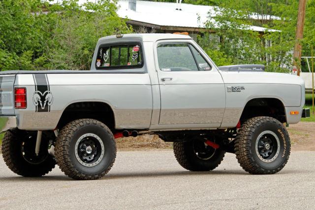 Hot Rod Dodge Power Ram 150 Pick Up Truck 4x4 Rat Rod
