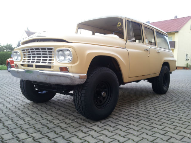 IHC Travelall 1962 4x4 - frame-up - for sale: photos