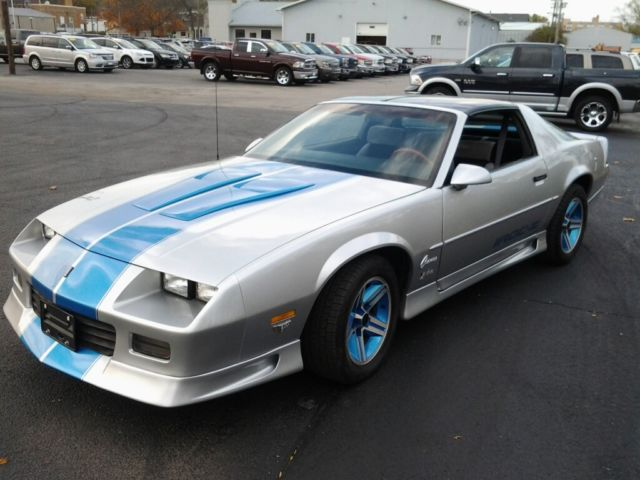 IROC Z28 T TOP Car for sale: photos, technical specifications ...