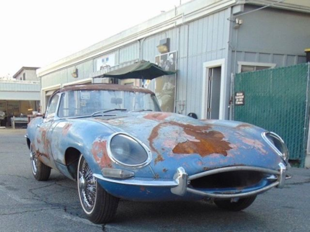 1961 Jaguar E-Type XKE Flat Floor Roadster
