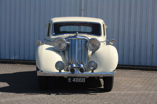 1946 Jaguar Mark IV 4 Door Sport Saloon