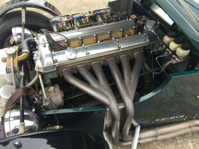 Jaguar à toutes les sauces. - Page 19 Jaguar-xk120-race-car-4
