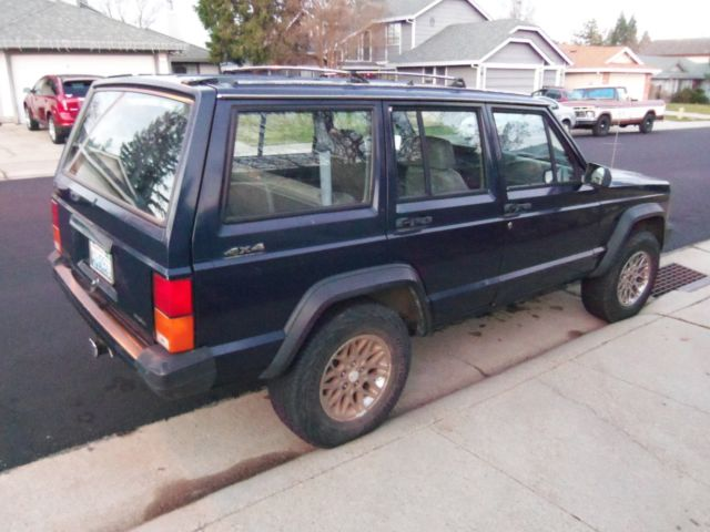Jeep Cherokee 4x4 With 4.0L   6 Cylinder Engine [Only 166,000 Original  Miles]