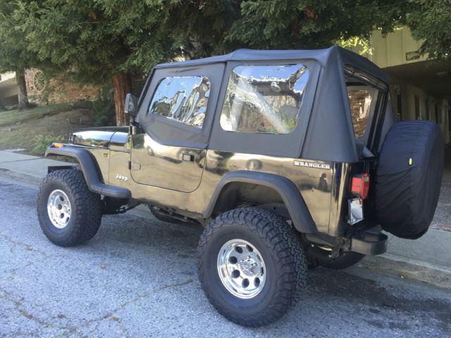 **Jeep Wrangler For Sale**MUST SELL MAKE AN OFFER!