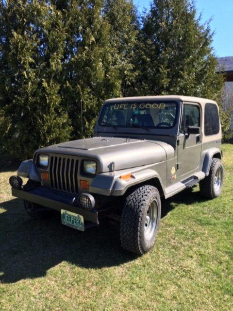 1989 Jeep Wrangler tan
