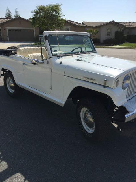 1967 Jeep JEEPSTER 4X4 CONVERTIBLE