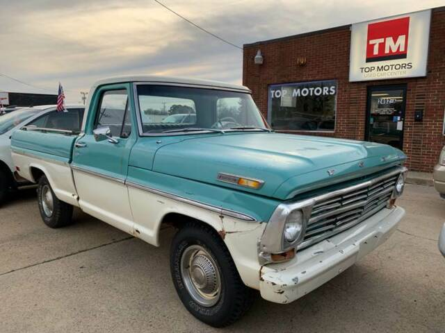 1968 Ford F-100 pick up