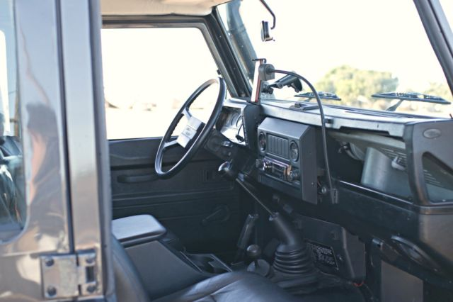 1985 Green Land Rover Defender with Black interior