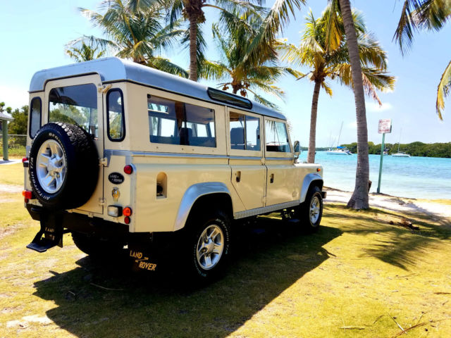 1984 Land Rover Defender 5 DOORS