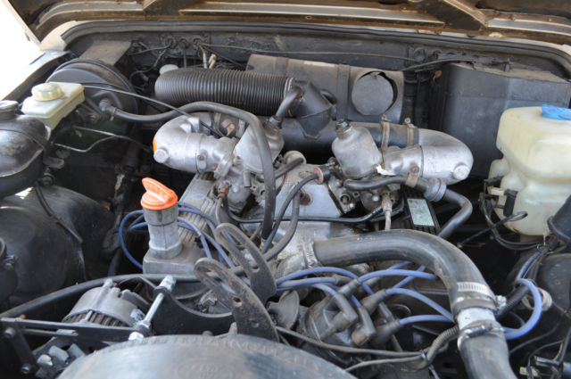 http://topclassiccarsforsale.com/uploads/photoalbum/land-rover-defender-110-with-original-v8-engine-1991-model-11.JPG