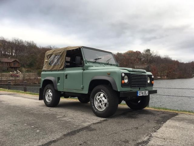 Land Rover Defender 90 - GALVANIZED CHASSIS - SOFT TOP!