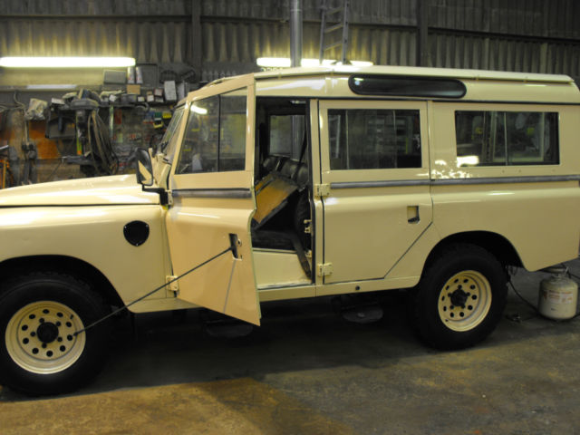 1980 Land Rover Defender leather