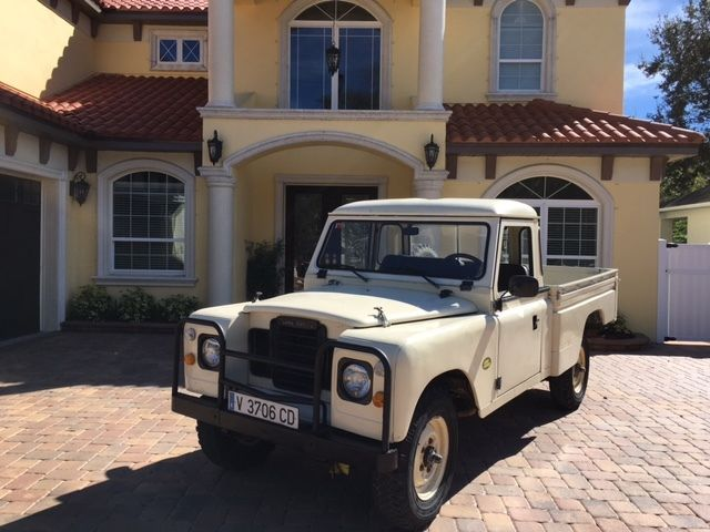 1987 Land Rover Defender SANTANA