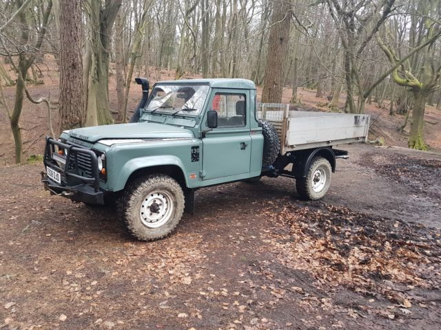 1980 Land Rover Defender 3 seats