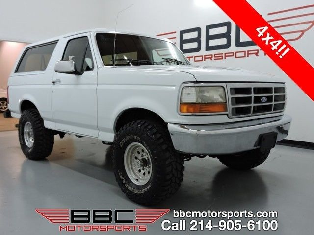 1993 Ford Bronco Custom w/Lift & Off-Road Tires