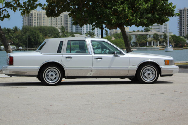1994 Lincoln Town Car CARTIER EDITION