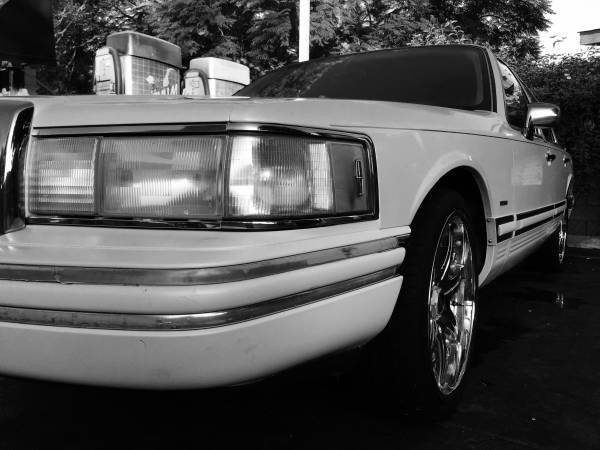 Lincoln Town Car Cartier White With 20inch Rims For Sale Photos