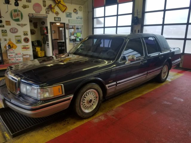 Lincoln Town Car Signature Series Presidential Edition For Sale