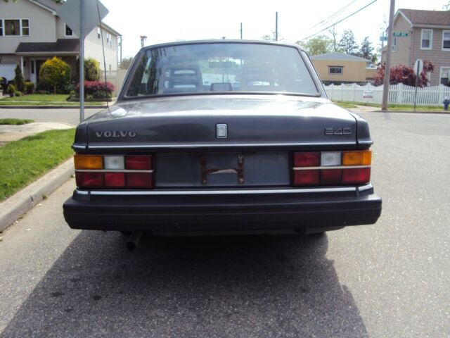 1991 Gray Volvo 240 Sedan with Gray interior