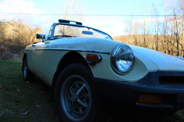 1978 Butter MG MGB MGB Convertible with Black interior