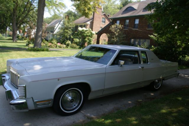 1976 Lincoln Town Car Town Coupe - 460 V8 1976