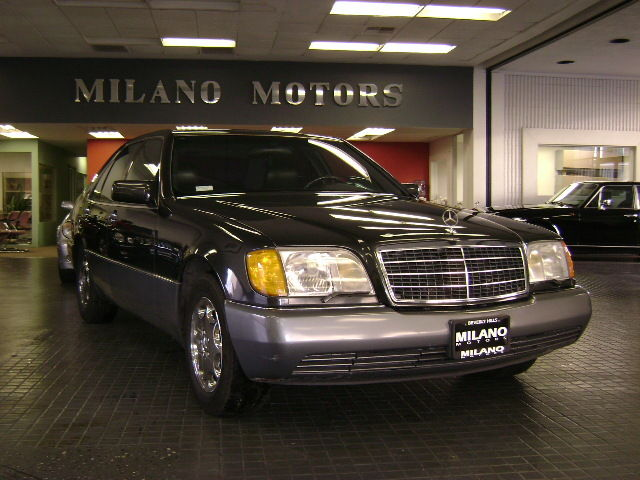 1992 Mercedes-Benz 400-Series
