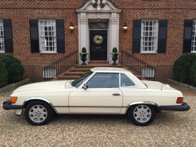 Mercedes 1988 560 sl coupe convertible with manual hardtop for Mercedes benz hardtop convertible for sale