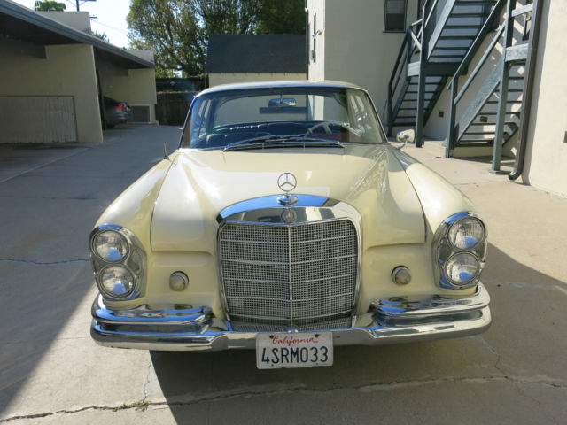 1963 Mercedes-Benz 200-Series 220SE