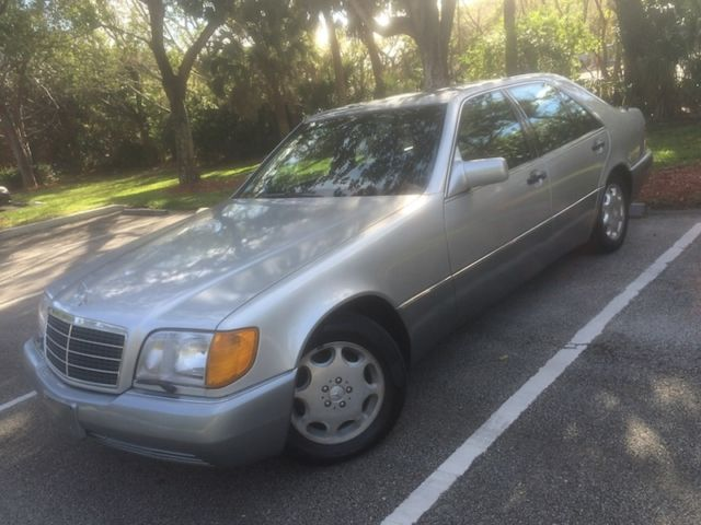 1992 Mercedes-Benz 400-Series 400SE S420