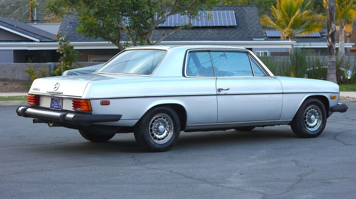 1972 Mercedes-Benz 200-Series 250c coupe